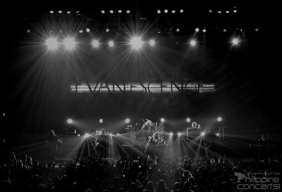 Evanescence Concert 2012