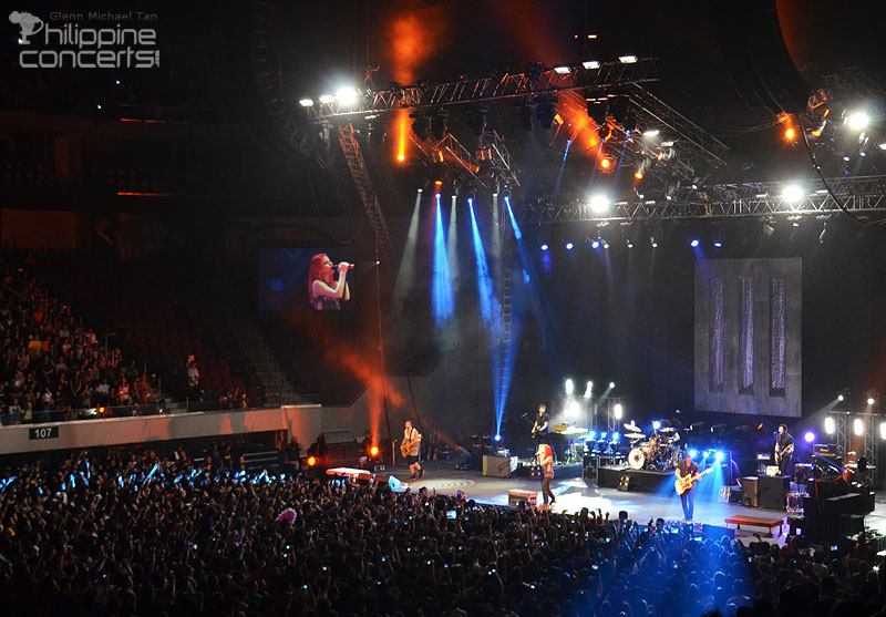 paramore-live-in-manila-moa-arena