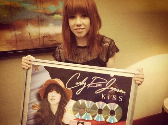 Carly Rae Jepsen, Ready to KISS Manila!