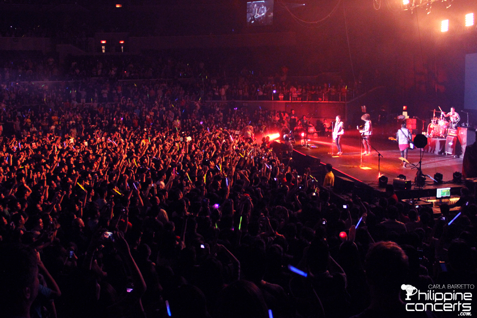 Fall Out Boy Live at the Smart Araneta Coliseum