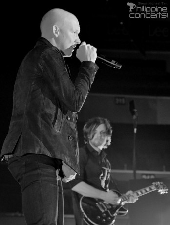 isaac-slade-the-fray-vocalist-manila-concert