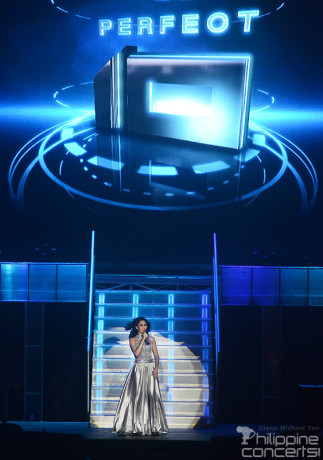 sarah-g-perfect-10-concert-big-dome