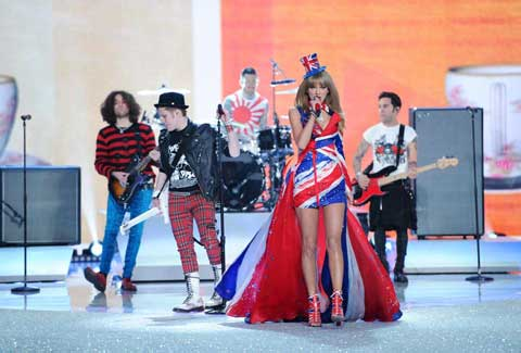 Fall Out Boy & Taylor Swift at the Victoria's Secret Fashion Show 2013