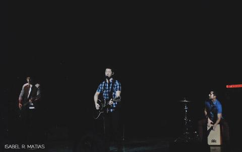 boyce-avenue-live-in-manila-2013
