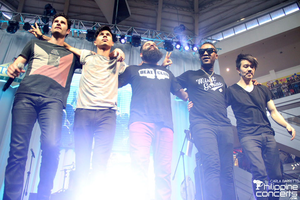 Capital Cities live in Alabang Town Center Photos