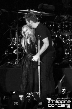 avril-lavigne-and-chad-kroeger-live-in-manila