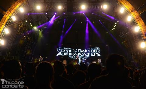 red-jumpsuit-apparatus-7107-international-music-festival