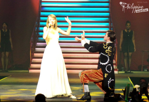 Taylor Swift Live at Mall of Asia Arena 2014