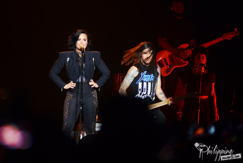 demi-lovato-mall-of-asia-arena-2015