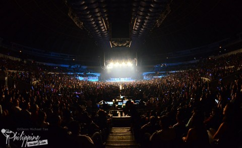 pentatonix-live-in-manila-crowd
