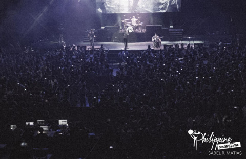 the-vamps-moa-arena-crowd