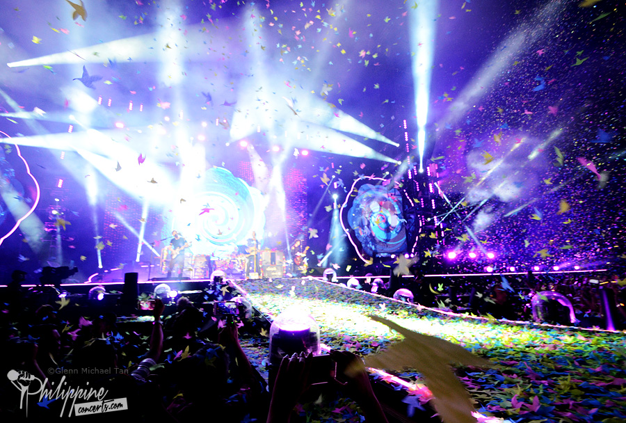 coldplay-manila-stage